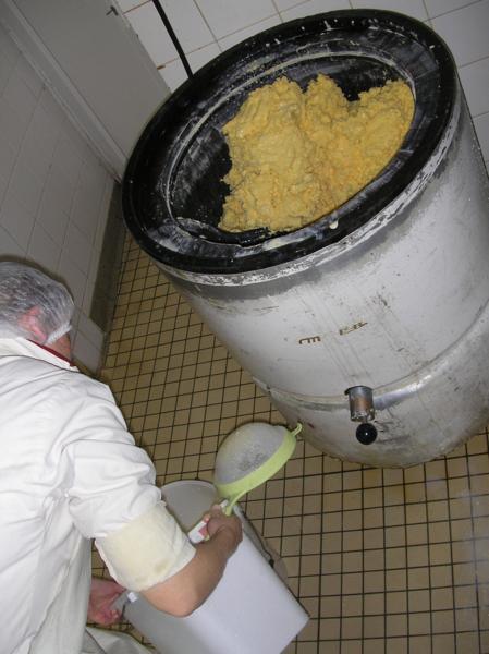 mantequilla5 Mantequilla artesanal bretona, elaborada en Combourtillé