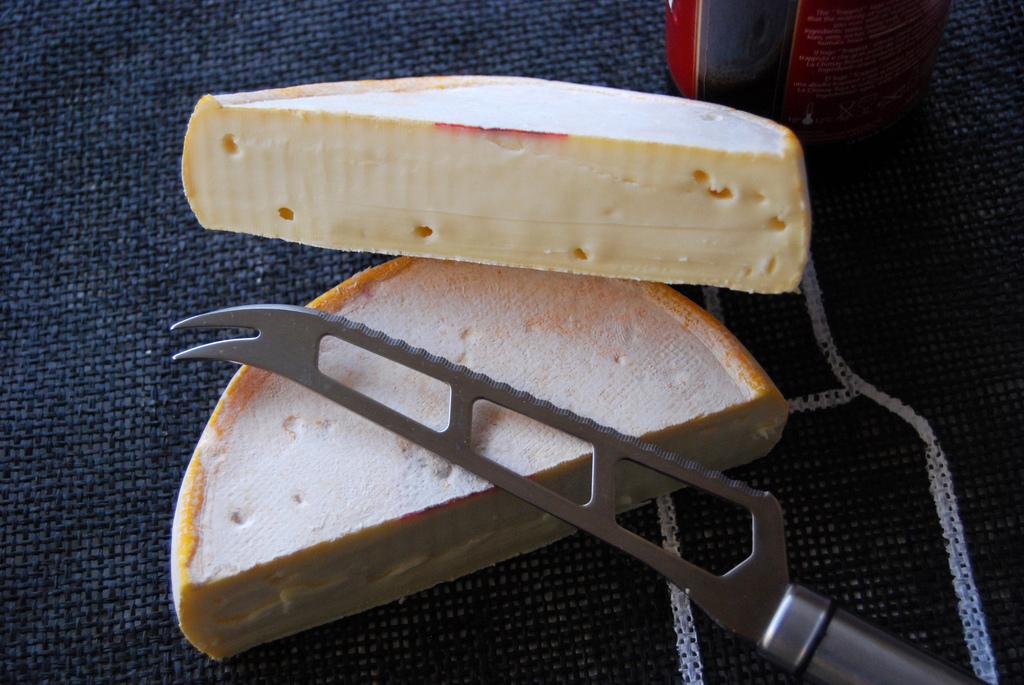 RICARD2009 Reblochon queso francés de vaca de corteza lavada Fotógrafo de quesos