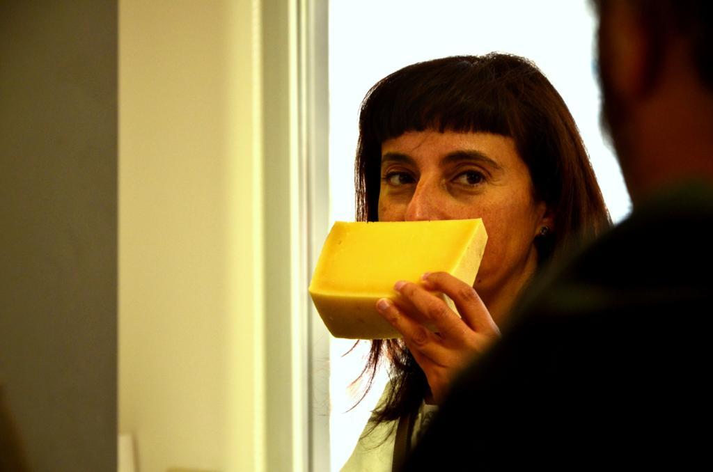 cata olfativa de quesos artesanos Quesos en una pop up bakery