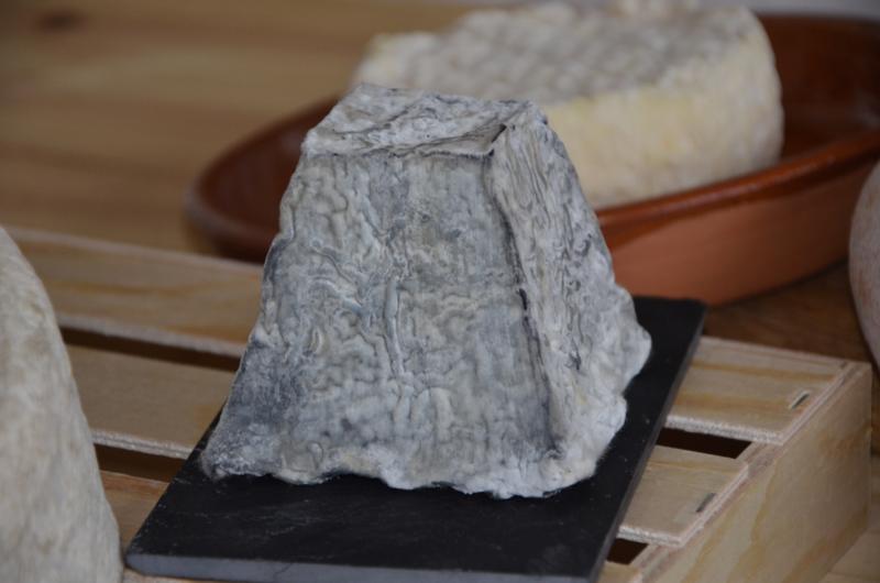 quesos Cantagrullas verano 2013  29 Tabla de quesos artesanos